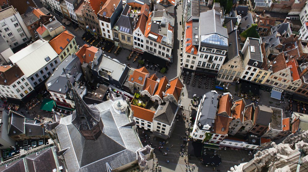 Antwerp_thomas-konings-CQ0NJ_YA2nA-unsplash.jpg