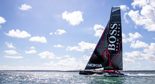 HUGO-BOSS-boat-flat-water---Picture-credit-ALEX-THOMSON-RACING.png