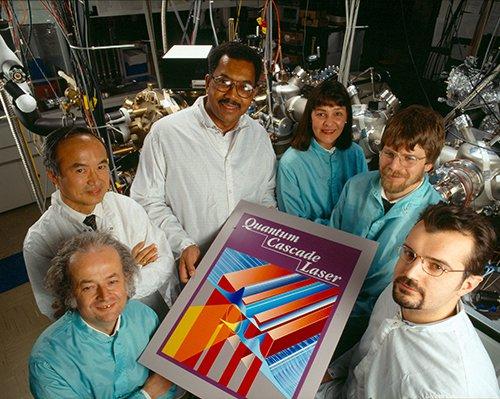 history-quantum-cascade-laser_team_reduced.jpg